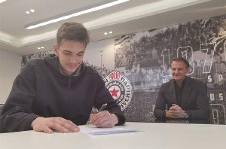 Radovanović potpisao profesionalni ugovor sa Partizanom