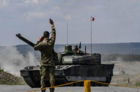 Manevri u Ardenima, Francuska se sprema za veliki rat