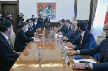 """Vučić sa predstavnicima japanske kompanije """"Nidek"""""""