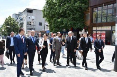 Predstavnici Srpske liste preneli američkom diplomati zabrinutost zbog bezbednosti