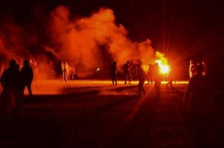 Sedam sati sukoba na ilegalnoj zabavi u Francuskoj – vatrometom i Molotovljevim koktelima na policiju