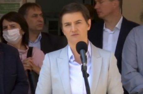 """Brnabićava: Ne mogu da komentarišem izjave """"psihopate i koljača"""""""