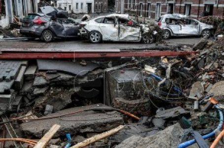 Nove poplave u Belgiji, bujica nosila automobile