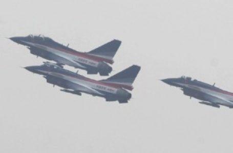Kineski borbeni avioni iznad Tajvana